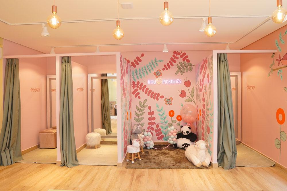 Provadores  e espaço Pink Ninas